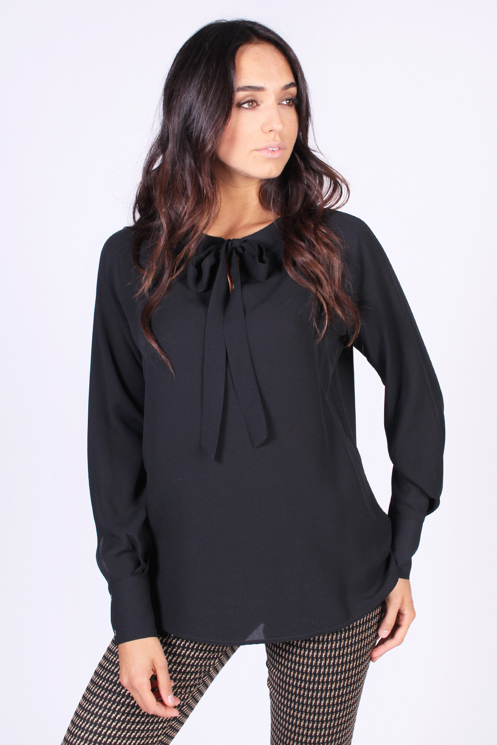 best sneakers 657ef 5a292 Camicia in seta nera